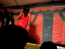 Desi Bhabhi Dances Nude first of all Stage in the air Public
